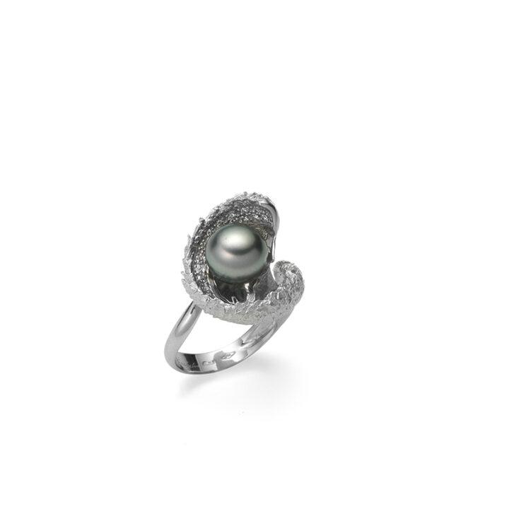 Anello in oro bianco con diamanti e perla naturale Tahiti -Mediterraneo-