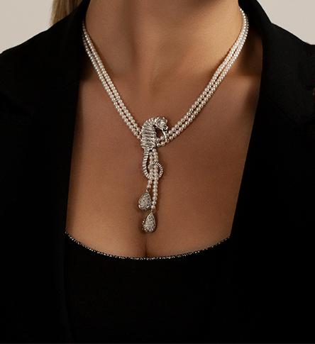 Collana - Ippocampo- in oro bianco, perle d'acqua dolce e diamnti brown - Mediterraneo
