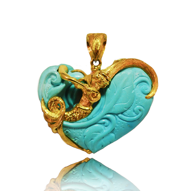 Yellow gold pendant with turquoise heart